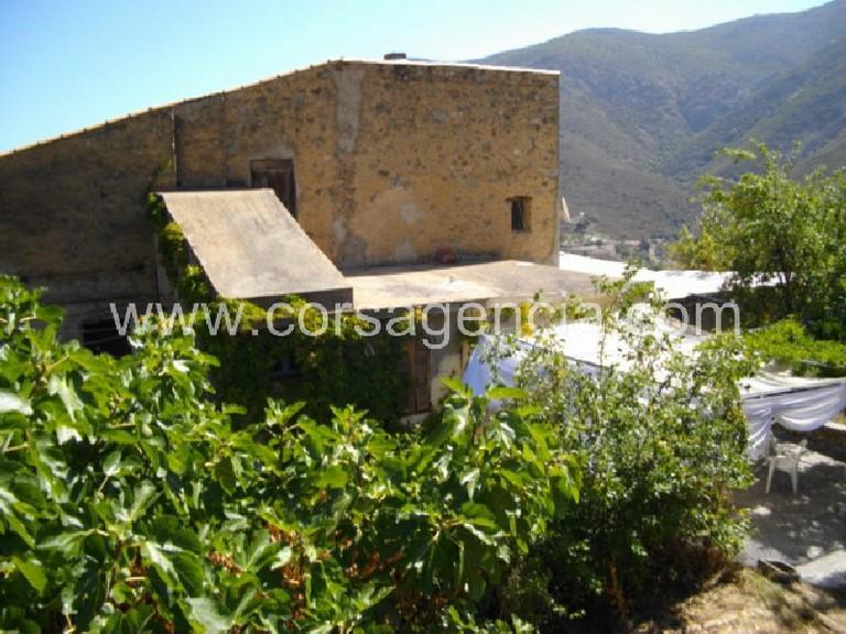 Maison de village avec jardin 25 minutes de l ile rousse for Location garage ile rousse