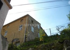 OCCHIATANA maison de village avec jardinet (7)